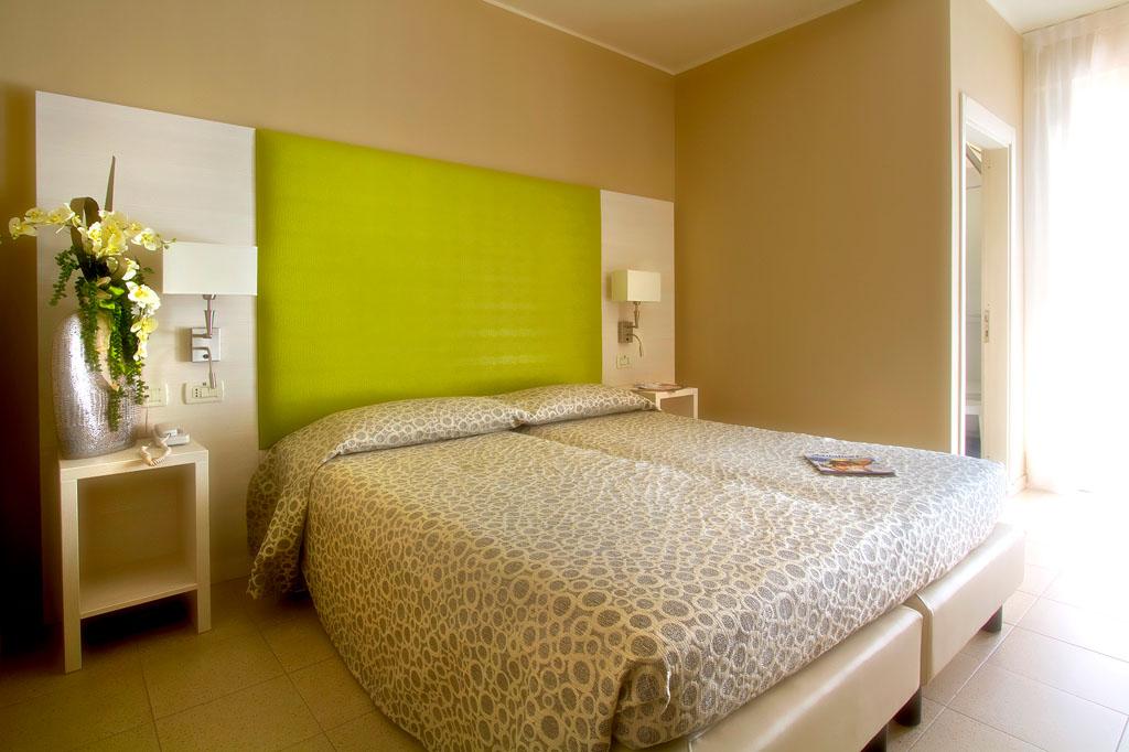 Room_02b